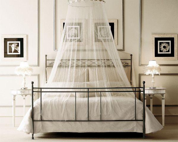 nebesa nad postel